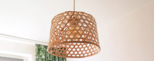 Tania lampa DIY – klosz z bambusowego kosza z JYSK