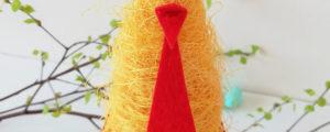 Wesoła kurka wielkanocna – dekoracja z sizalu